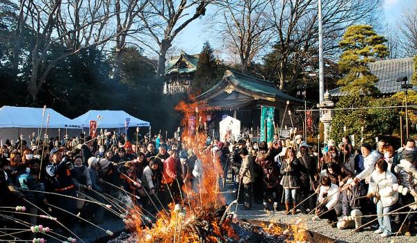 白旗-神社---1月どんど焼き
