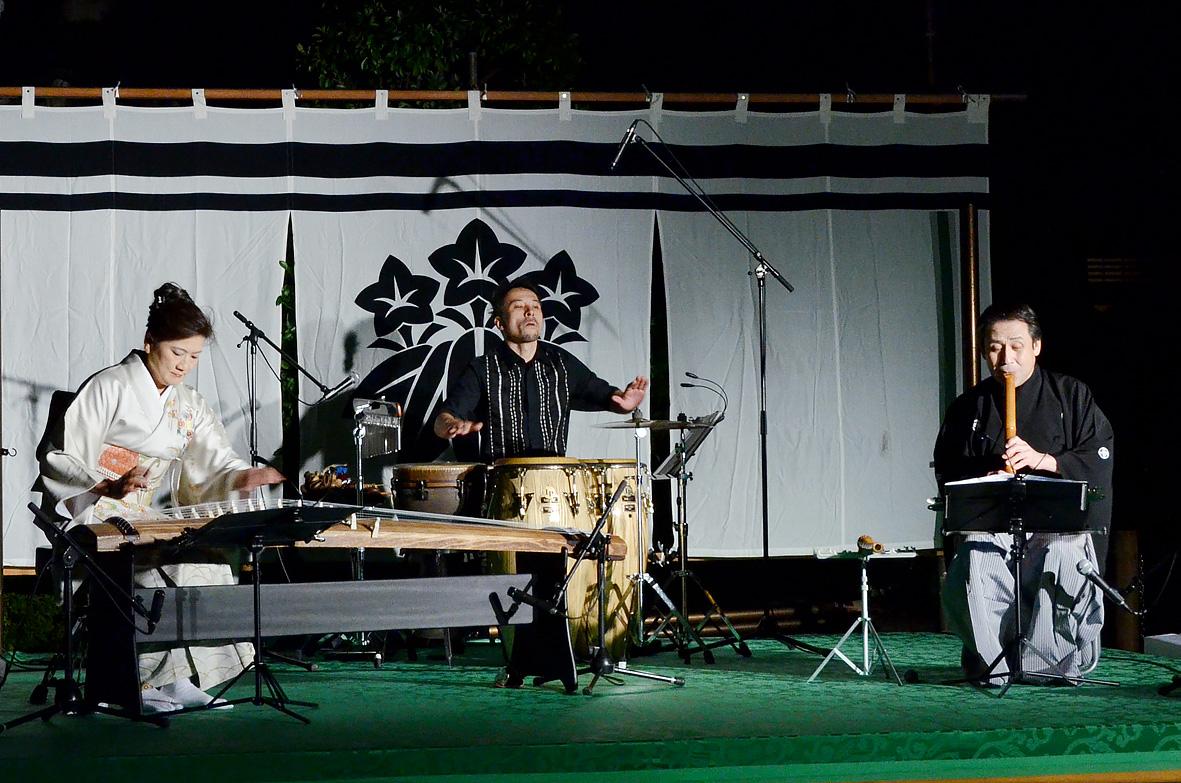 白旗-神社---9月演奏会